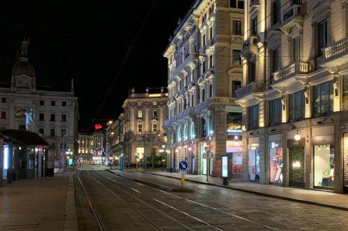 Una caminata nocturna por Milán para descubrir otra versión de la ciudad